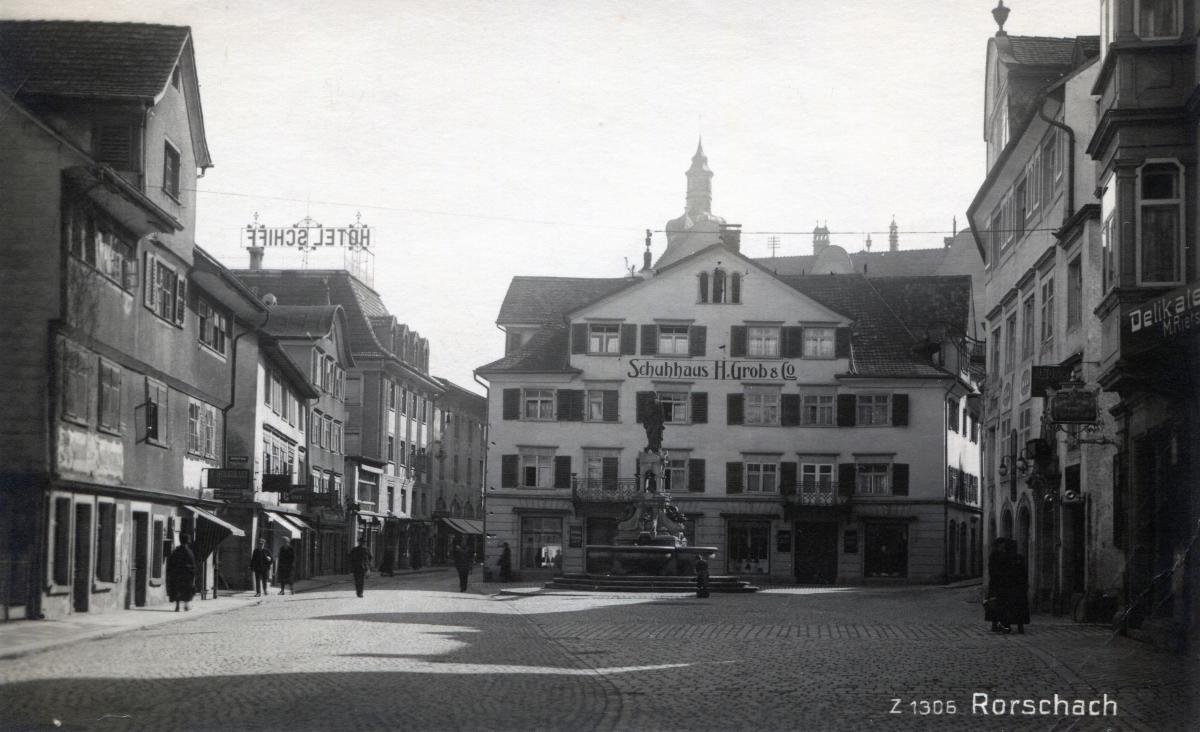 Hauptstrasse belebt