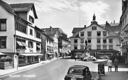 Kronenplatz
